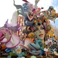 Fallas en Valencia, entre petardos y mascletás