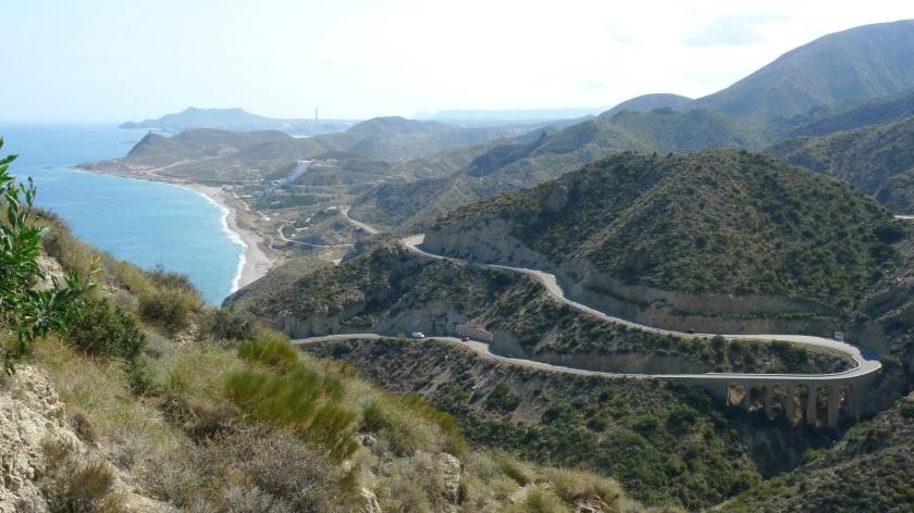 Mirador en dirección a las Playas de Mójacar,de fondo el controvertido hotel