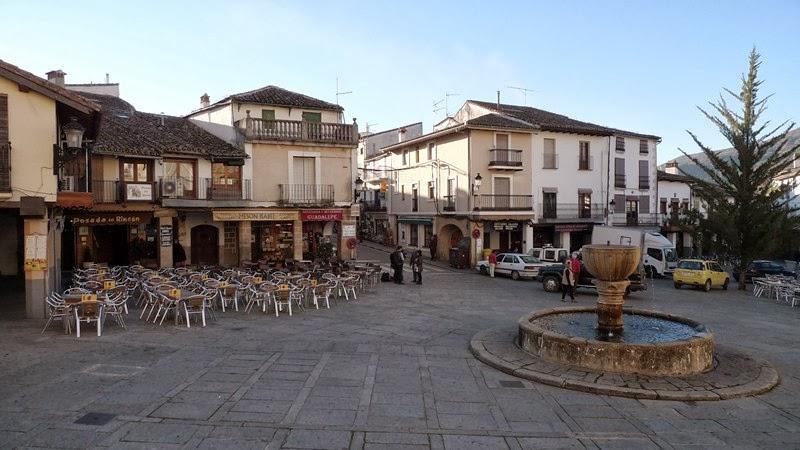 Plaza enfrente al Monasterio