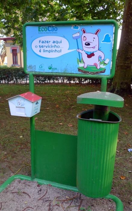 Contenedores para residuos de perros