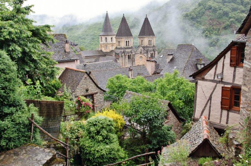 Pueblos bonitos como Conques - Francia