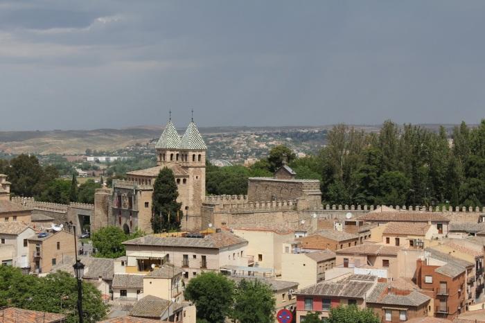 Vista de la Puerta de la Bisagra, una de las puertas de entrada a la ciudad