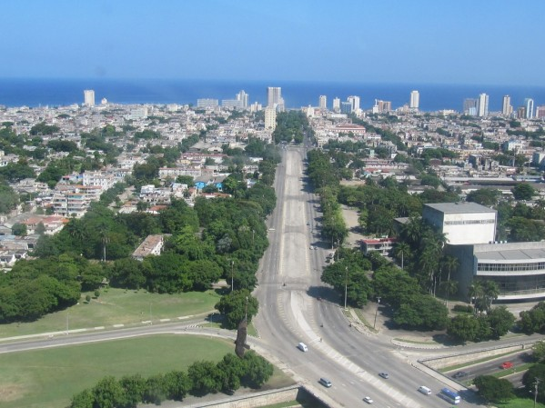 Calle Paseo vista desde la Plaza de la Revolución