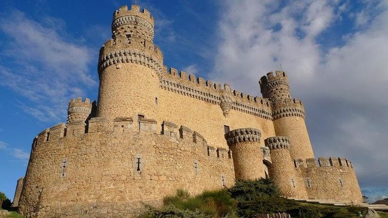 Bonito castillo del pueblo
