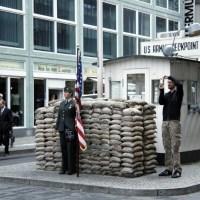 Historias de la guerra fría en Checkpoint Charlie, Berlín