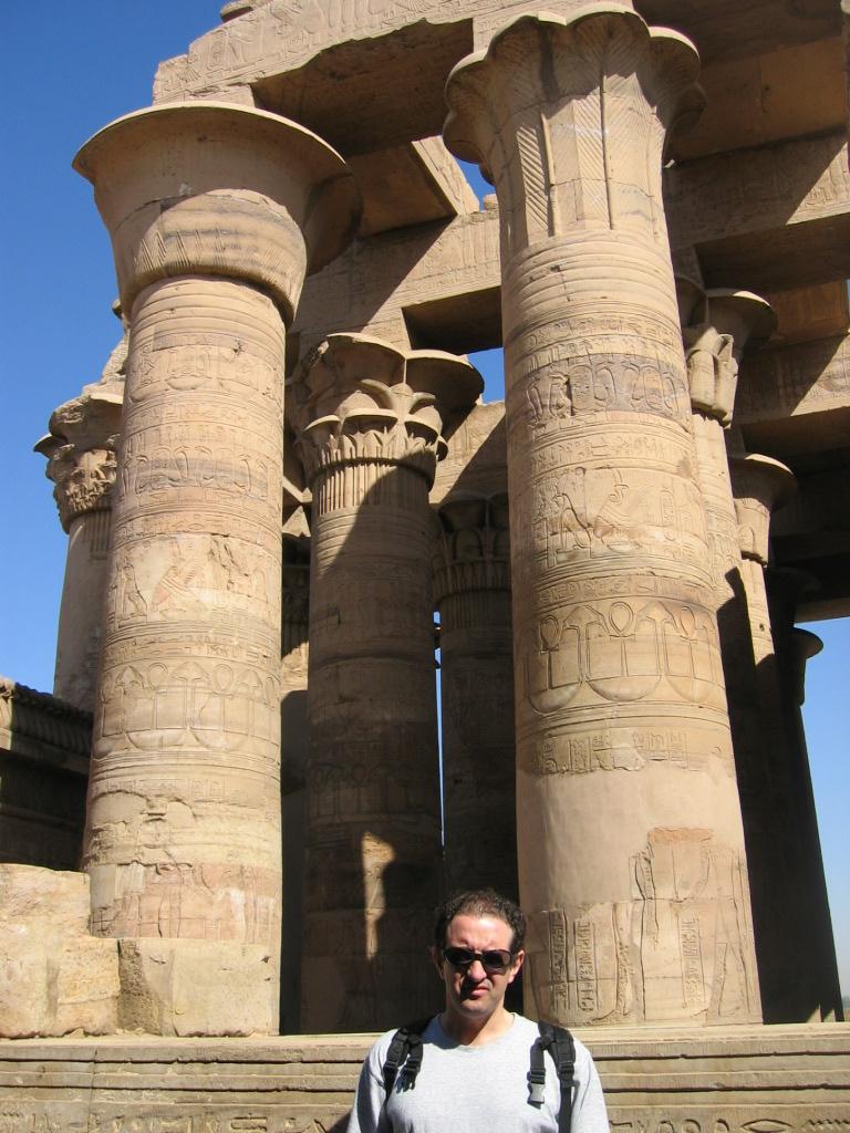 templo kom-ombo zobek y horus