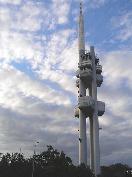 Torre de TV, fuente: http://es.wikipedia.org/