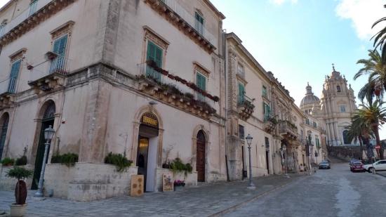 ragusa, valle noto, sicilia (2)