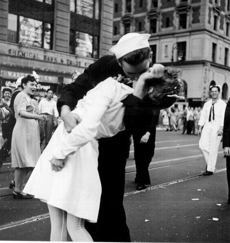 853px-Kissing_the_War_Goodbye