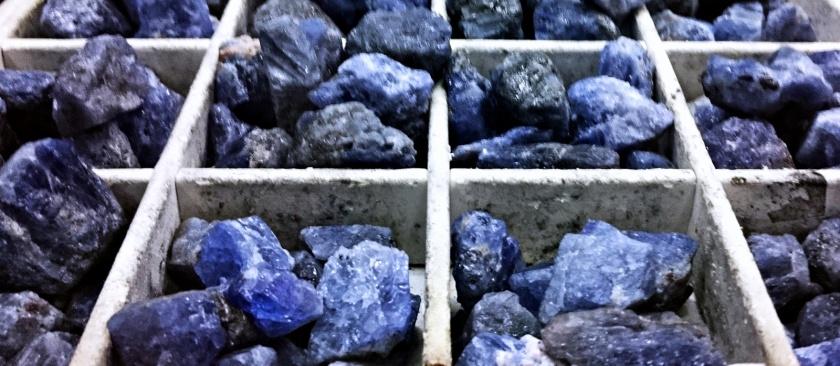 Tanzanite Rocks