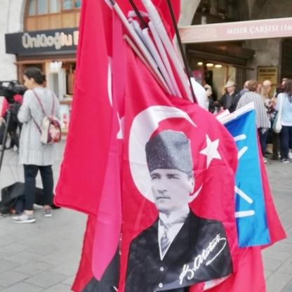Muchas banderas turcas