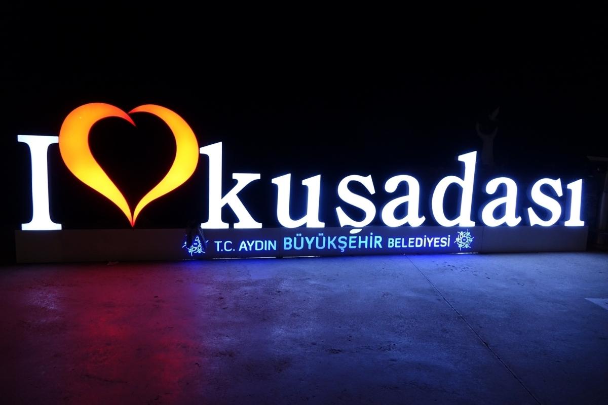 """Kusadası, un alto en el camino de nuestro """"road trip    turco"""""""