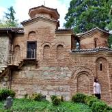 Aquí se diferencian en sus muros los 3 momentos en que fue construida esta iglesia