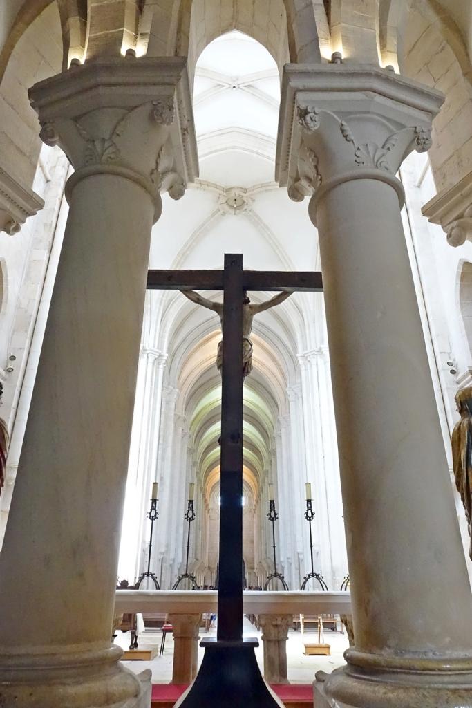 Dimensiones de la iglesia desde la nave central