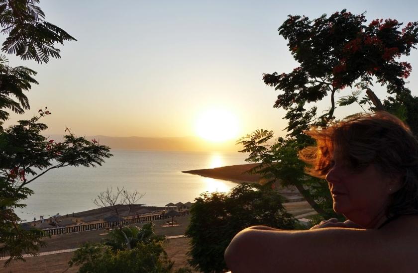 Disfrutando de una preciosa puesta de sol.