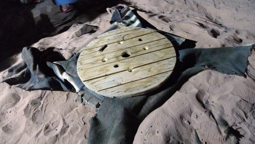 Cocina bajo la arena del desierto