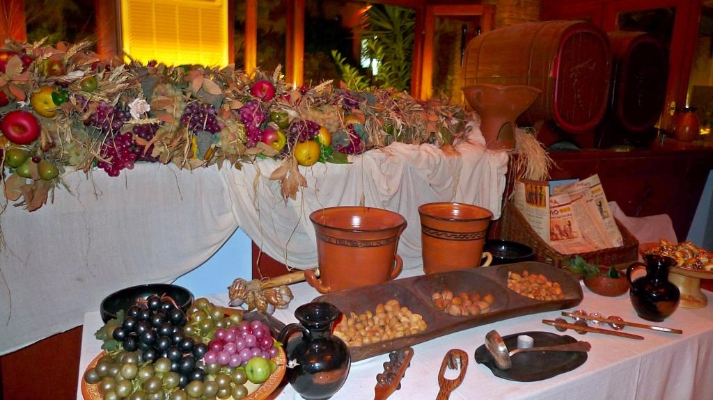 Los aperitivos, frutos secos y aceitunas