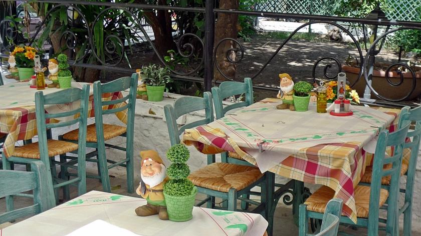 Sitios para comer por la zona de Plaka, en Atenas