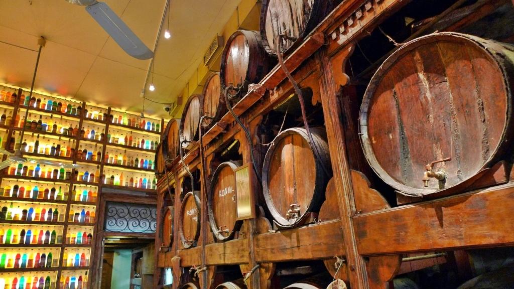Barriles con vino