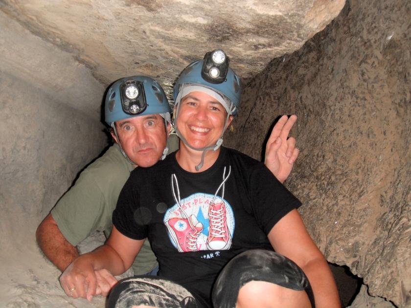 Dentro de la cueva... a veces hay que reptar o atrastrarse