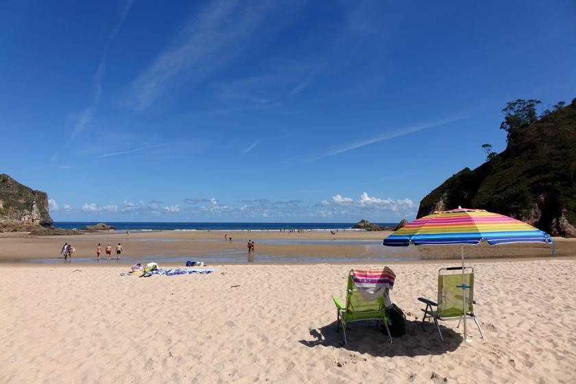 Una preciosa playa en un lugar de gran belleza